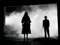 Ins Schattenreich Noir im Scheinwerferlicht
